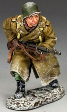 World War II U.S. Battle of the Bulge BBA063 U.S. G.I. Advancing B.A.R. Gunner - Made by King and Country Military Miniatures and Models. Factory made, hand assembled, painted and boxed in a padded decorative box. Excellent gift for the enthusiast.