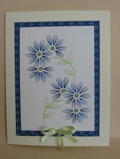 Bleuets brodé Paper Embroidery Tutorial, Hand Embroidery Art, Hand Embroidery Videos, Floral Embroidery Patterns, Embroidery Cards, Embroidery Stitches, String Art Tutorials, String Art Patterns, Fabric Cards