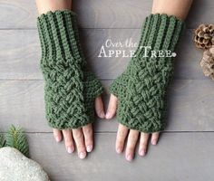 One of this week's Featured Favorites: Celtic Weave Fingerless Gloves, Pattern by Over The Apple Tree Get your free crochet pattern here: Fingerless Gloves Crochet Pattern, Fingerless Mittens, Crochet Mittens Free Pattern, Crochet Crafts, Free Crochet, Knit Crochet, Crochet Projects, Diy Crafts, Tree Crafts