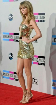 Post with 14534 views. Crazy About Legs: Taylor Swift Taylor Swift Legs, Taylor Swift Style, Taylor Swift Pictures, Taylor Alison Swift, Girl Celebrities, Beautiful Celebrities, Beautiful Actresses, Great Legs, Beautiful Legs