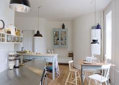 Det nye køkken passer til den gamle lejlighed med sit på en gang moderne og originale udtryk. Ved at kombinere nyt og gammelt får køkkenet sin egen unikke stil. - køkken_insp2_88 - Bolig Magasinet