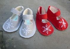 Felt Baby Shoes - Snowflake