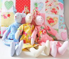 Helen Philipps: April 2013 .being easter week, the three sugar bunnies also popped out for a while to join in........they are shown here with the hearts and flowers cushion, and all are featured in my new book, *pretty patchwork gifts*..........