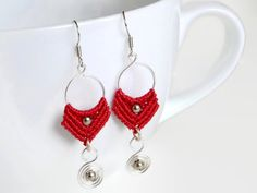 Red micro macrame earrings with silver colored wire by Kreativprodukte auf Etsy, €17.00