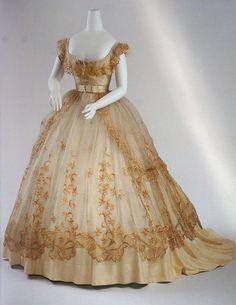 This dress demands drool... 1865 ball gown, Wien (Vienna) Museum