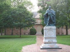 According to Huffington Post College and Luminosity, the College of William and Mary is the smartest college in America! Virginia Camping, Liberal Arts College, William And Mary, School S, Green And Gold, Family Portraits, Statue Of Liberty, Garden Sculpture, Public