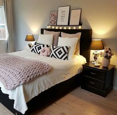 Bedroom Decor For Teen Girls, Room Ideas Bedroom, Home Decor Bedroom, Adult Bedroom Ideas, Cozy Home Decorating, Decorating Ideas, Stylish Bedroom, Cozy Room, My New Room