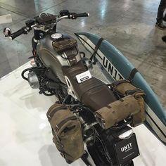 unitgarage 's Nine T at What do you think of this vintage look? Scrambler Custom, Scrambler Motorcycle, Bmw Motorcycles, Custom Motorcycles, R Nine T Scrambler, R Cafe, Moto Cafe, Cafe Racer Bikes, Guzzi V7