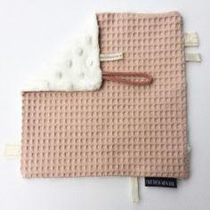 speendoekje roze wafelstof