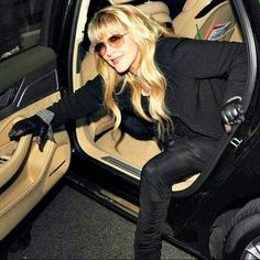 "Stevie getting out of a limo  ~ ☆♥❤♥☆ ~     ""My driver's license ran out in 1978, and I never got it renewed, because I never went anywhere alone. We got famous so fast, I just didn't get in a car and go to the market anymore. I miss driving around and listening to music."" ~   Stevie Nicks"