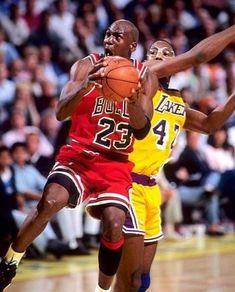 Jordan V, Jordan Bulls, Michael Jordan Chicago Bulls, Portland Trail Blazers, Magic Johnson, Larry Bird, Los Angeles Lakers, Michael Jordan Wallpaper Iphone, Chicago Bulls Nba