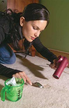 Restaurar depresiones en la alfombra con humedad y calor.-