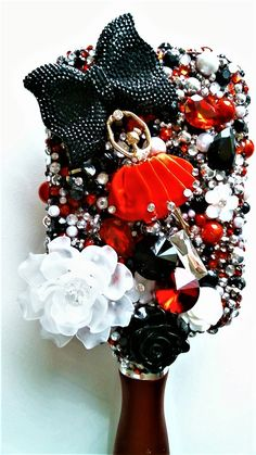 SUPER BLING hair brush Diy Mirror Decor, Bling Phone Cases, Paddle Brush, Vintage Mirrors, Hair Brush, You Are Awesome, Ornament Wreath, Christmas Wreaths, Hair Beauty