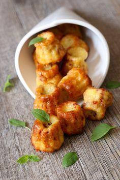 J'ai trouvé la recette PARFAITE de cannelés salés. Piocher sur le blog de Caroline « http://carolinecuisine.canalblog.com » je suis tombée follement et totalement amoureuse de cette recette. J'ai changé...