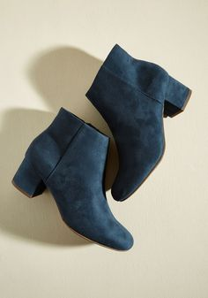 Scholar of Color Bootie. Using the lake blue hue of these minimalist ankle boots as the base tone for your ensemble turns the palette of your look into a point of intrigue! #blue #modcloth