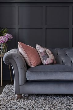 Wondrous 12 Best Velvet Sofas Images In 2019 Button Sofa Home Interior And Landscaping Mentranervesignezvosmurscom