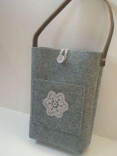 Gris fieltro bolso de totalizador, bolso de fieltro - super bolsa de almuerzo multifuncional con flor crocheted de la mano, mango de cuero genuino, bolso de totalizador, bolso de fieltro
