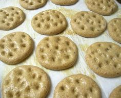 Arabic Bites: khobiz mohala (sweet round bread)