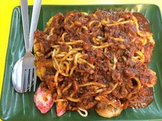 Mee rojak~~ :D smothered in a peanut sauce