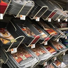 This Bakeware Declined Gondola Rack Outfitting was specialized in application. All items were baking related hinting not at all at turkeys, hams, or other. Visual Merchandising Displays, Visual Display, Window Display Retail, Window Displays, Cake Supply Store, Retail Store Design, Retail Stores, Store Displays, Retail Displays