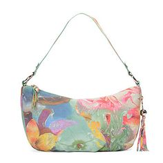 Phoebe is a mid-size bag with a stylish attitude. The single strap makes her easy and comfortable to wear everyday.