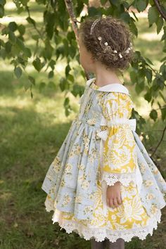 Custom Order of a Peasant Dress with a Pinafore Little Dresses, Little Girl Dresses, Flower Girl Dresses, Vintage Baby Dresses, Flower Girls, Fashion Kids, Girl Fashion, Diy Vetement, Baby Sewing