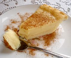 (Milktart) I think this is the melktert (milk tart) pie that absolutely wonderful!I think this is the melktert (milk tart) pie that absolutely wonderful! South African Desserts, South African Dishes, South African Recipes, Africa Recipes, South African Braai, Tart Recipes, Baking Recipes, Dessert Recipes, Oven Recipes