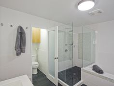 River rock shower bottom, great floor tiles.
