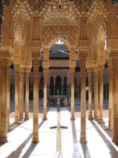 Bosque de Columnas - Granada, Granada