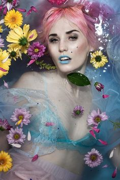 Photoshoot inspiration: Floral bath Bah reference, great petal on breast. Milk Bath Photography, Photography Themes, Underwater Photography, Portrait Photography, Fashion Photography, Fashion Shoot, Fashion Art, Creepy, Audrey Kitching