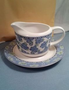 Pfaltzgraff Blue Isle Gravy Boat & Underplate 2 Pc Blue Green Ivy Leaves Ex Cond in Pottery & Glass | eBay