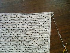 corinevandongen: Vintage Baby Deken ~ Roze ~ Crochet Granny, Crochet Stitches, Knit Crochet, Baby Knitting Patterns, Crochet Patterns, Call The Midwife, Baby Items, Sewing, Crafts