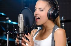 Looking for good singing classes in Singapore? Let Vocal Wonders help you! We work with qualified singing teachers in Singapore. Let us start your singing journey with your teachers today!