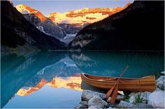 Ohhhh canoeing on Lake Louise!