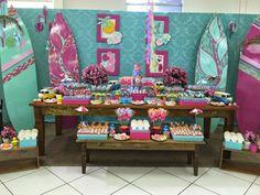 Olha que Festa Praia encantadora, com cores e detalhes incríveis.Imagens Nathalia Ventrilho.Lindas ideias e muita inspiração.Bjs, Fabíola Teles.Mais ideias lindas: Nathalia Ventrilho....