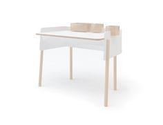 Oeuf Brooklyn Desk in Birch & White #oeufnyc #brooklyndesk #desk #kidsdecor #modernfurniture #interiordesign #ecofriendly #birch #kidsdesk