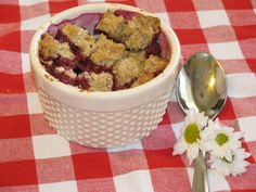Low Calorie Berry Crumble