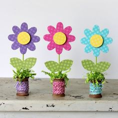 Full step-by-step tutorial and supply list to create these darling home decor flowers with a wooden spool base. Perfect for Mother's Day.