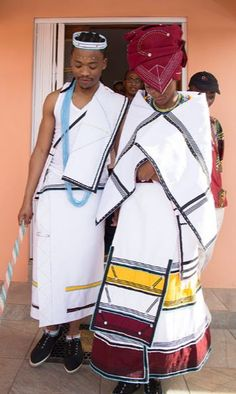 Best Traditional Wedding Dresses Xhosa In South Africa 2019 - T African Wedding Attire, African Attire, African Wear, African Fashion, African Print Dresses, African Dress, African Prints, Traditional Wedding Dresses, Traditional Outfits