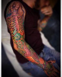 Progress for this strange full color arm ..! Almost done..! #realitional #tattoo #color #surealitional #surealism #tattoo #antikorpo #andrealanzi #art #unavitaacolori #antikorposculpture #antikorpotoy  #eviantattooshow #tahoetattooshow #redemptioneurope #eternalink #eternalink #stencilstuff #tahoetattooshow #quickaps #spektraedge #spektrahalo #maximotattoocables #kwadron  #inkedmagitaly #dermalizepro ..! Order your @redemptiontattoocare on www.redemptiontattoo.eu