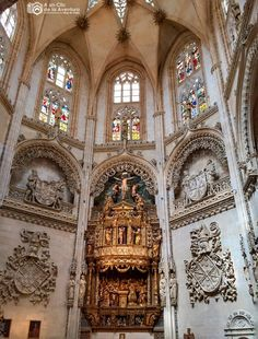 Church Architecture, Amazing Architecture, Die Renaissance, Church Interior, Cathedral Church, Chapelle, Place Of Worship, Kirchen, Middle Ages