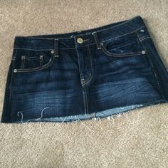 American Eagle Denim Skirt Skirt is like new. American Eagle Outfitters Jeans