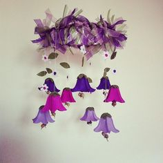 Glockenblumenmobile aus Filz Bellflowers made of felt Feltflower #gebastelt #basteln #filz #filzblume #feltart #deko