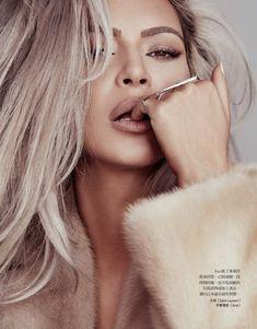 Kim Kardashian - One of the most controversial women on the planet. Kim Kardashian by Dennis Leupold for Vogue Taiwan. Robert Kardashian, Khloe Kardashian, Kardashian Kollection, Kim Kardashian Photoshoot, Kardashian Fashion, Kris Jenner, Kendall Jenner, Kylie, Birthday Makeup Looks