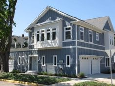 South Haven House Rental: Maple St -5 Bedrooms! **discount Aug 26-30** 2 Blocks To South Beach | HomeAway