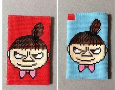 2014年お気に入りビーズ織① | 箱は笑いで満たされた。 Knitted Mittens Pattern, Knit Mittens, Tapestry Crochet Patterns, Knitting Patterns, Iron Beads, Beaded Cross Stitch, Old Cartoons, Beading Patterns, Pixel Art