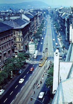 "Lenin körút, Budapest, 1968 Boulevard Lenin, Budapest, 1968 ""A kép a Lenin krt… Anno Domini, Fictional World, Budapest Hungary, Vintage Photos, My Dream, Europe, Landscape, History, Retro"