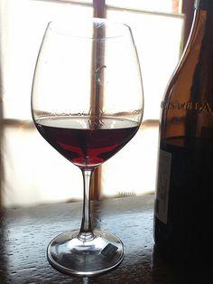 Un bicchiere di Barbaresco a questa giornata di primavera, alla nascita del figlio di un caro amico, a questa Italia finalmente scossa.