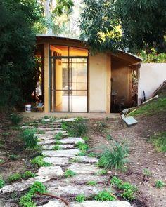 Cabin, Studio, House Styles, Interior, Plants, Home Decor, Decoration Home, Indoor, Room Decor