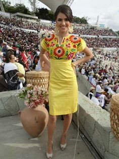 25 Gorgeous Embroidered Dress for Women Over 30 Style Sty. Mexican Fashion, Mexican Outfit, Mexican Dresses, Mexican Style, Mexican Embroidered Dress, Embroidered Clothes, Mexican Embroidery, Short Green Dress, Short Dresses